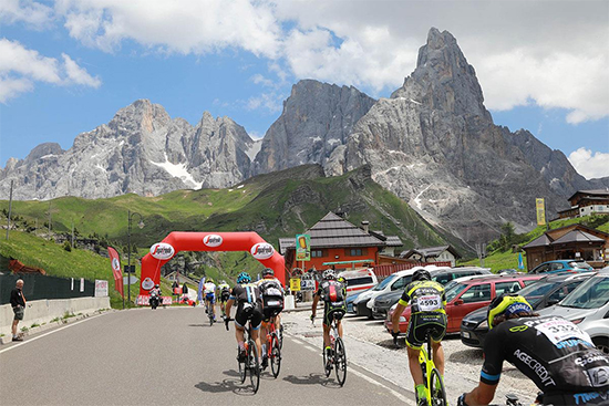 Groenewoud neemt deel aan de Granfondo Dolomitirace in Italië